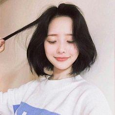 aesthetichღ — ─── ❀ullzang girls─── ❀ ─── ❀like if you. Ulzzang Korean Girl, Cute Korean Girl, Asian Girl, Shot Hair Styles, Long Hair Styles, Hair Inspo, Hair Inspiration, Ullzang Girls, Korean Short Hair