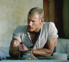 Tom Hopper and his amazing arms in Black Sails; Riley at the Brazen Head. Teach Like A Pirate, Billy Bones, Black Sails Starz, Charles Vane, Tom Hopper, Captain Flint, Pirate Adventure, Bbc Tv Series, Treasure Island