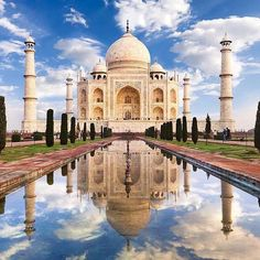 #mytajmemory  Asia Vacations   Location: Taj Mahal India Photo Credit: @destinosimperdiveis Chosen by: @toinou1375 Hashtag your photos with:  #asia_vacations   Please visit also our other sister pages @france.vacations and @italy.vacations   by asia.vacations #IncredibleIndia #tajmahal