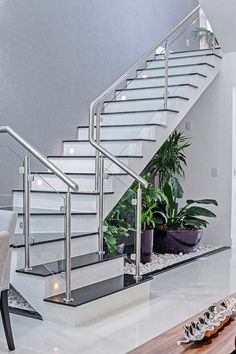 Modern Staircase Design Ideas - Modern staircases can be found in lots of styles and designs that can be actual eye-catcher in the various area. We've compiled finest versions of stairs that can offer. Home Stairs Design, Stair Railing Design, Staircase Railings, Interior Stairs, Railing Ideas, Spiral Staircase, Staircase Remodel, Floating Staircase, Staircase Ideas