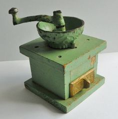 Childs Toy Coffee Grinder  ~ ANTIQUE ~  very sweet! #unknown