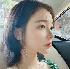 Korean Beauty Girls, Pretty Korean Girls, Cute Korean Girl, Asian Beauty, Asian Girl, Ulzzang Girl Selca, Ulzzang Short Hair, Ulzzang Korean Girl, Hwa Min