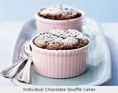 150 calories chocolate souffle - extremely easy and SO chocolatey!