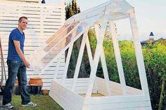 Se här hur lätt du bygger ett växthus som har plats för en hel del, men som ändå knappt tar någon plats.