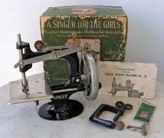 Antique Singer Sewing Machine for Girls Plus Box & Extras