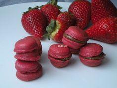Macarons saborizados ~ Pasteles de colores...de fresa...