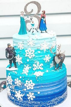 Fall in love with this gorgeous Frozen birthday party! The cake is beautiful! See more party ideas and share yours at CatchMyParty.com  #catchmyparty #partyideas #frozen #frozen2 #frozenparty #princessparty #girlbirthdayparty #cake