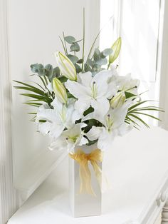 Last Minute White Scented Lily Vase