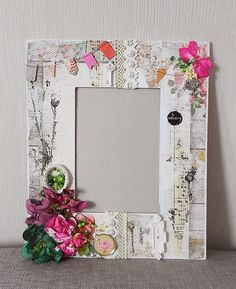 Homemade Frames, Altered Canvas, Picture Frame Decor, Shabby Chic Crafts, Cool Art Projects, Framed Fabric, Diy Crafts For Gifts, Frame Crafts, Flower Frame