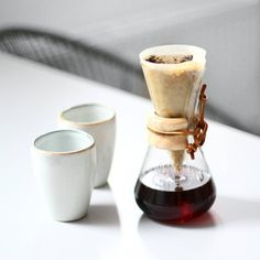 tifmys – Chemex coffeemaker & Broste Copenhagen mugs.