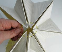 Origami for Everyone – From Beginner to Advanced – DIY Fan Origami Design, Diy Origami, Origami Lampshade, Origami Templates, Paper Lampshade, Modular Origami, Origami Tutorial, Origami Paper, Lampshades