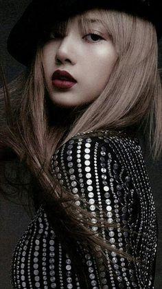 Blackpink Lisa, Jennie Blackpink, Kpop Girl Groups, Korean Girl Groups, Kpop Girls, K Pop, Lisa Blackpink Wallpaper, Black Pink Kpop, Kim Jisoo