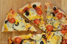 Вегетарианская пицца Многие думают, что только мясо или мясные продукты придадут пицце правильный вкус. Ничто не может быть более неправильным чем это суждение. Vegetable Pizza, Vegetables, Food, Veggies, Veggie Food, Meals, Vegetable Recipes, Yemek, Eten