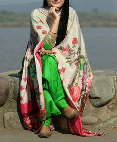 @manidrehar❤ Indian Designer Suits, Indian Suits, Indian Attire, Indian Wear, Indian Dresses, Punjabi Fashion, Asian Fashion, Women's Fashion, Patiala Suit Designs