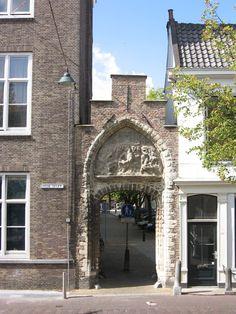 Bagijnhofpoort in Delft | Monument - Rijksmonumenten.nl