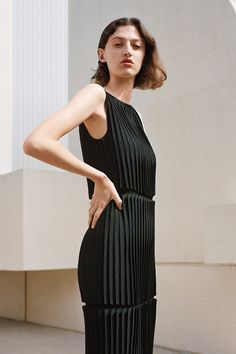 COS is a contemporary fashion brand offering reinvented classics and wardrobe essentials made to last beyond the season, inspired by art and design. Kinds Of Clothes, Clothes For Women, Dress Outfits, Fashion Dresses, Mode Editorials, Frack, Minimalist Fashion Women, Portraits, All Black Everything