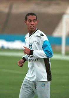 Football Icon, Football Soccer, Football Players, Ronaldinho Skills, Football Player Costume, Soccer Stars, All Star, Athlete, Mens Tops
