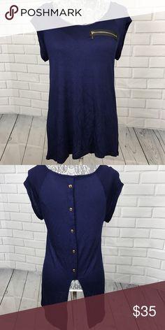 Navy Blue Blouse/Top! Navy Blue Blouse/Top! •EUC •Zipper detail on front •Gold shade button back •Hi-lo hem •Great w/leggings! Tops Blouses