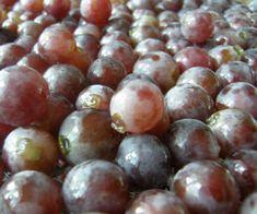 Sok z winogron z sokownika Fruit