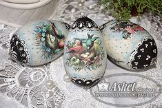 Decoupage - z domalowankami - w technice country painting Easter Art, Easter Eggs, Types Of Eggs, Easter Crafts For Adults, Easter Egg Designs, Decoupage Art, Egg Crafts, Egg Art, Egg Decorating