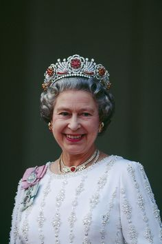 Queen Elizabeth II - Photo: Corbis Her Majesty, Elizabeth II, Queen of Great Britain. Does anyone wear jewels so well? I don't think so. jhughes2020