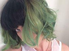 Katy Perry brengt een vleugje groen in haar kapsel
