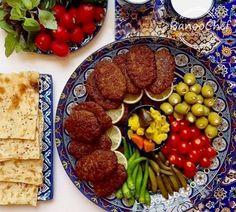 Food Platters, Food Dishes, Iran Food, Iranian Cuisine, Persian Culture, Food Tasting, Food Decoration, Middle Eastern Recipes, Creative Food