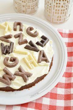 Foto: Chocoladeletter chocoladetaart! Een heel lekker en makkelijk recept! Dé taart voor pakjesavond!. Geplaatst door byAranka op Welke.nl