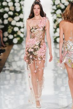 Valentin Yudashkin Spring 2015 Ready-to-Wear - Collection - Gallery - Style.com