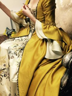 OUTLANDER Claire Yellow Paris Costume Custom-made