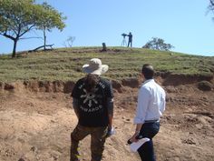 More REDE GLOBO TV interviews about excavations and research from Cretacea era in GS-SP. 2014.