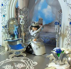 This is my Snow Queen's palace, it's a painted and decorated version of the original Playmobil 3019 Fairy Tale Palace. I've been working o...