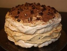 Torcik bezowy z masą krówkowo-mascarpone My Favorite Food, Favorite Recipes, Cake Recipes, Dessert Recipes, Polish Recipes, Pavlova, Food And Drink, Cooking Recipes, Yummy Food