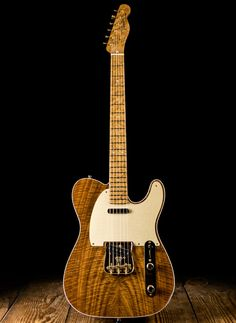 Fender Claro Walnut Artisan Telecaster - Natural