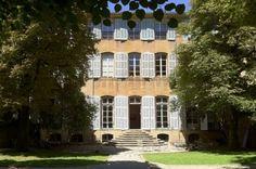Au cœur de la Provence existe un lieu exceptionnel d'exposition temporaire: l'Hôtel de Gallifet. Mêlant charme d'un cadre historique au luxe de ses volumes, la galerie de l'Hôtel offre un espace lumineux de plus de 400m² doté de 4 pièces communicantes et d'un jardin de 500m². L'entresol est privatisable pour événements privés ou professionnels. Disponible à partir de 300€ sur GoReception: http://www.go-reception.com/lieu/131hotel-de-gallifet/