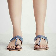 (50% off all sandals)Free people slide Super cute. Genuine leather. Brand new. Size 39 Free People Shoes Sandals
