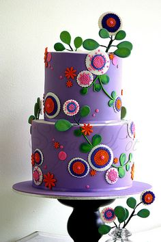 Cute Cake...perhaps would make me a beautiful birthday cake...