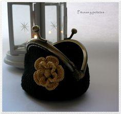 "Pitusas & Petetes: ""Black crochet coin purse"" (monedero de crochet negro)"