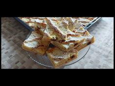 Rácsos lepényt készült dió helyett túróval, így is finom lett. - YouTube French Toast, Breakfast, Food, Breakfast Cafe, Essen, Yemek, Meals