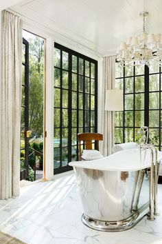 Bathroom Design Luxury, Modern Bathroom, Home Interior Design, Interior Decorating, Classic Interior, Bath Design, Baths Interior, Bathroom Pink, Bathroom Goals