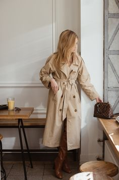 Make Life Easier Spring Fashion Outfits, Winter Outfits, Cool Outfits, Louis Vuitton Vintage Bags, Working Girl, Blazers, Sophisticated Outfits, Raincoats For Women, Vogue