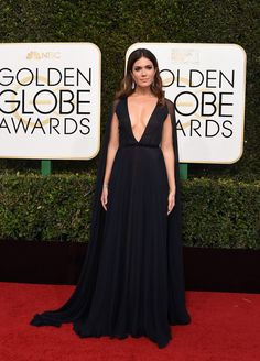 Mandy Moore on the red carpet at 2017's Golden Globes.