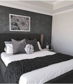 35 Inspiring Black and White Master Bedroom Color Ideas Black and white bedroom designs; bedroom ideas for couples. 35 Inspiring Black and White Master Bedroom Color Ideas White Bedroom Design, White Bedroom Decor, Modern Bedroom Decor, Stylish Bedroom, Bedroom Black, Modern Room, Bedroom Colors, Home Bedroom, Contemporary Bedroom