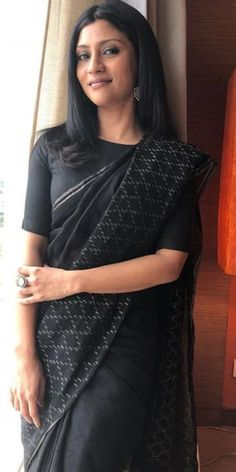 Best Fashion Tips For Women - Fashion Trends Cotton Saree Blouse, Saree Dress, Simple Sarees, Trendy Sarees, Indian Attire, Indian Wear, Sari Blouse Designs, Saree Look, Elegant Saree