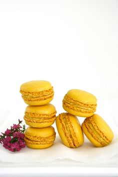 Food and Cook by trotamundos French Macaroons, Coconut Macaroons, Sweet Recipes, Healthy Recipes, Peruvian Recipes, French Pastries, Mellow Yellow, Biscotti, Cookie Recipes