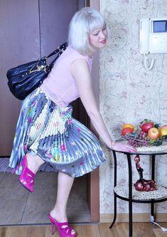Metallic Pleated Skirt, Pleated Skirts, Full Midi Skirt, Dress Skirt, Wild Things, Pin Up Girls, Fasion, Pinup, High Waisted Skirt