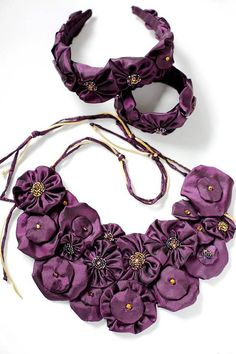 Flower Silk Necklace set with Bracelet and Headband Taffeta Necklace set Bridal Wedding Jewelry set Purple Necklace set Bridesmaid gift Necklace is OOAK, made from natural silk taffeta, stitched with beads, bugle, ribbons, crystals by Guterman Germany. Necklace size 26 x 14 cm ( 10