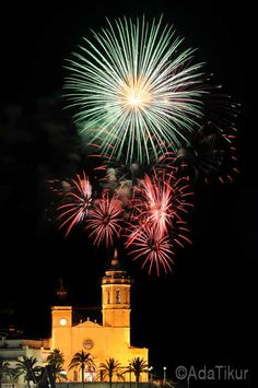 Festa Major Sitges (adatikur.com). Fuegos artificiales.