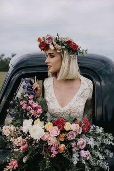 . Wedding Bouquets, Wedding Flowers, Flower Crown Wedding, Bridal Crown, Wedding Bridesmaids, Dream Wedding, Wedding Day, Summer Wedding, Garden Wedding