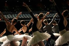 ballet-doll: artist of PNB during onstage rehearsals for Swan Lake Lindsay Thomas, Alonzo King, Pacific Northwest Ballet, La Bayadere, Pretty Ballerinas, Dance Photos, Dance Pictures, Ballet Photography, Lets Dance